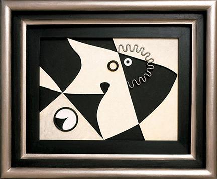 Monochrome 41 x 31